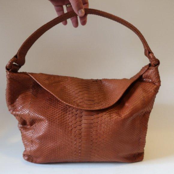 Bloomingdale's Handbags - NWOT WOMENS BLOOMINGDALES BROWN PHYTON BAG*